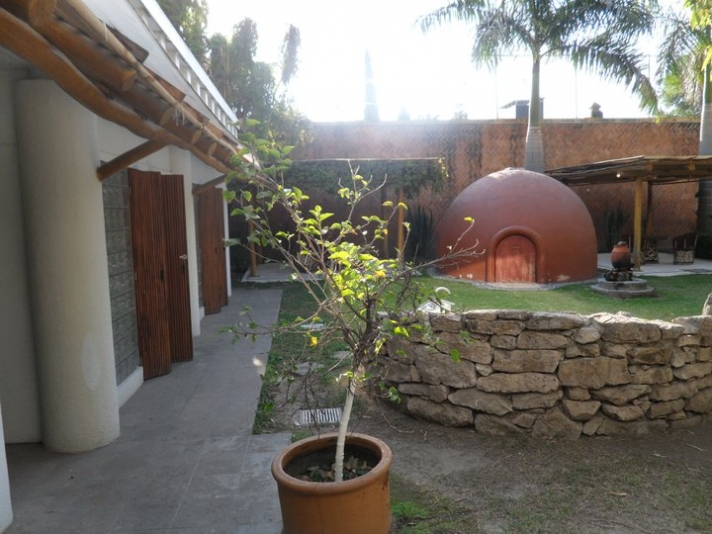 Temazcal y patio